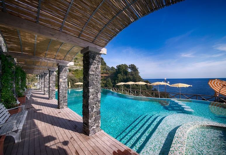 Hotel Porto Roca, Monterosso al Mare, Katusebassein