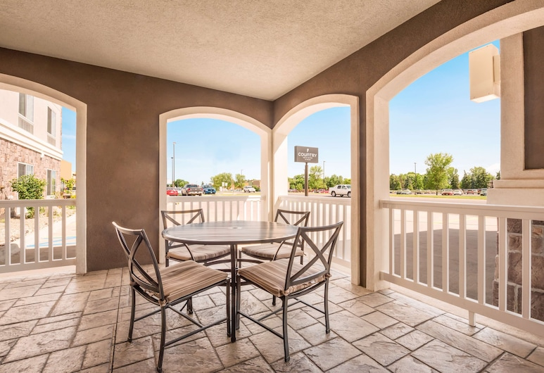 Country Inn & Suites by Radisson, Minot, ND, Minot, Terraza o patio
