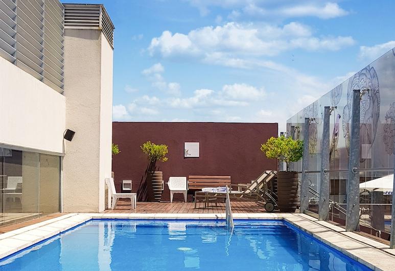 Recoleta Grand, Buenos Aires, Pool