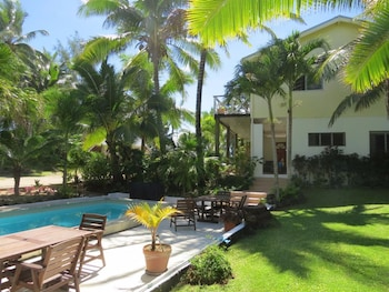 Enter your dates for our Rarotonga last minute prices