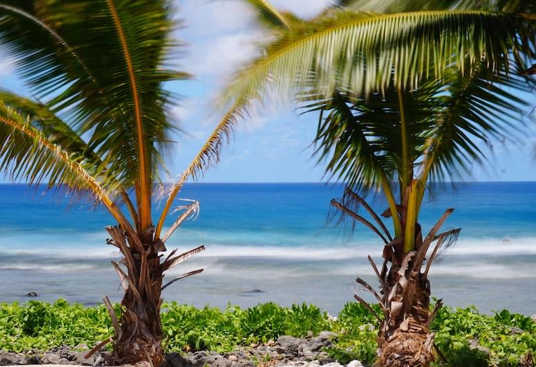 Sunrise Beach Bungalows, Rarotonga, Beach