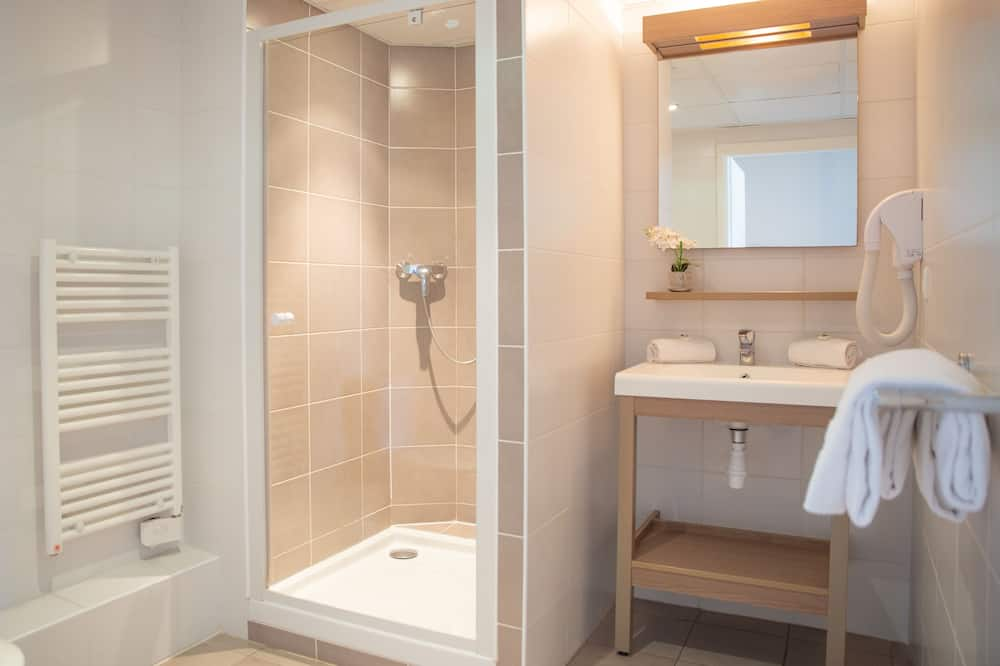 Studio, 2 Twin Beds, Balcony - Bathroom