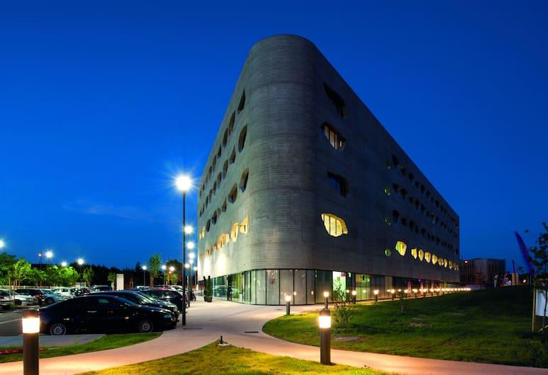 Appart'City Confort Montpellier Millénaire, Montpellier, Façade de l'hébergement - le soir