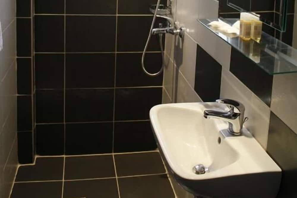 Doppelzimmer (DBL) - Badezimmer