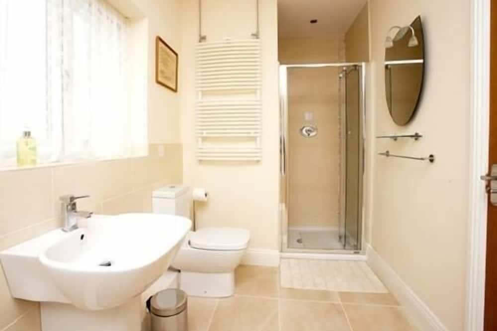 Kahetuba, ühiskasutatav vannituba - Vannituba