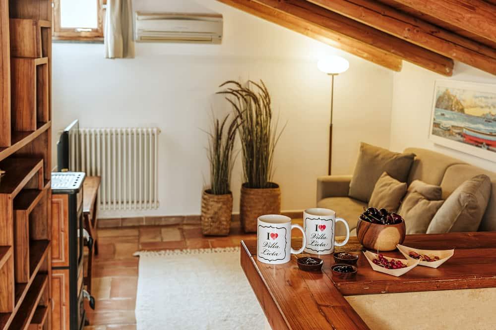 Suite, Ocean View - Living Area