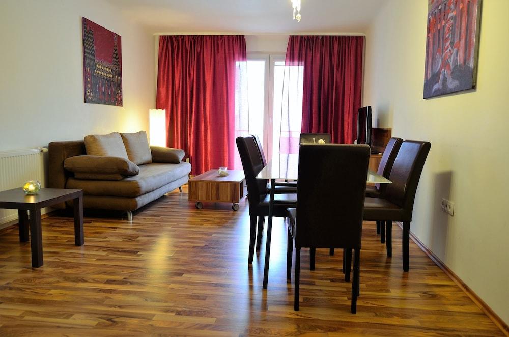 GoVienna Messe Wien Apartment, Vienna