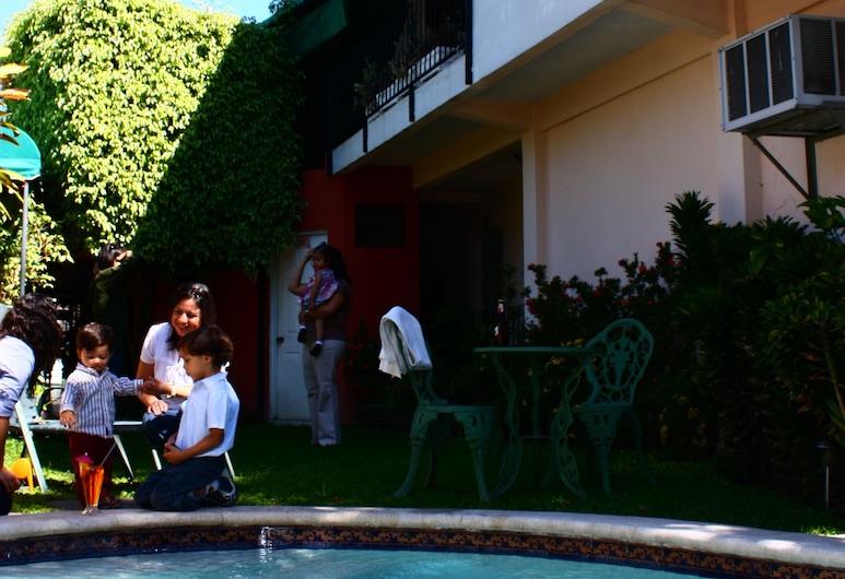 Lonigo Hostal, San Salvador, Utomhuspool