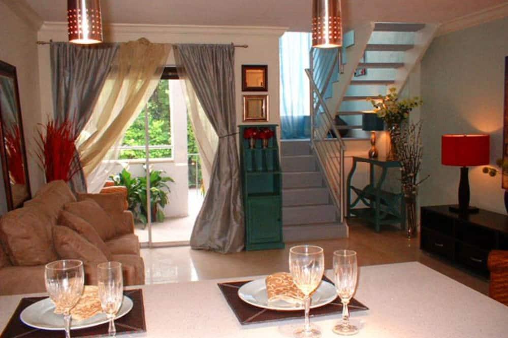 غرفة - بحمام خاص (Two Level Loft) - تناول الطعام داخل الغرفة