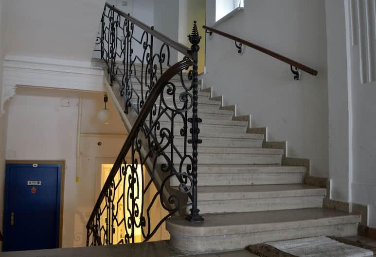 GoVienna Belvedere Apartment, Vídeň, Schodiště