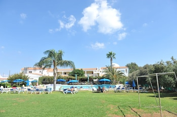 Picture of Captain Karas Holiday Apartments in Paralimni