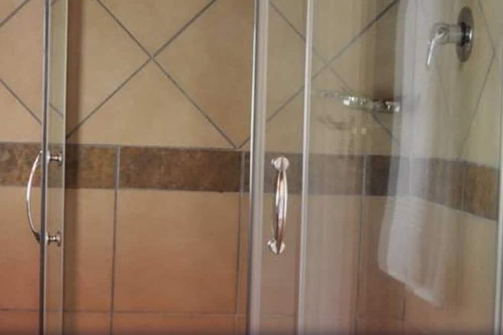 Chambre Standard, côté jardin - Salle de bain