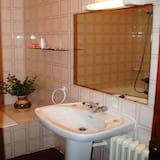 Apartment, 1 Bedroom, Kitchen (for 2 people) - Bathroom