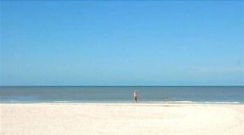 Fotografia do Gulf Breeze Condos em Fort Myers Beach