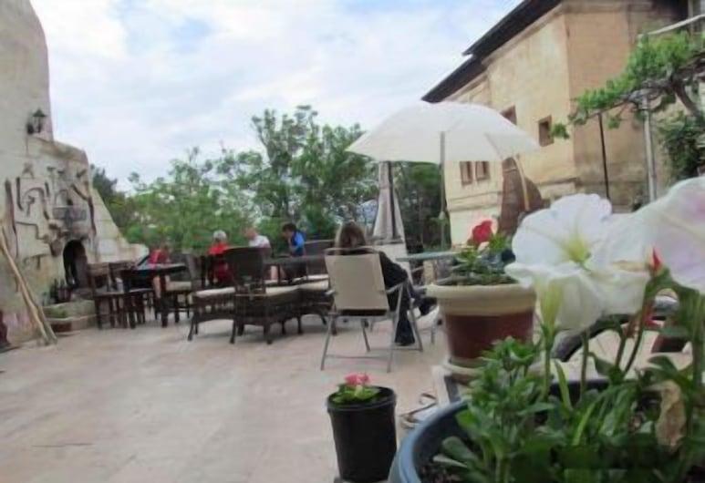Ürgüp Kaya Otel, Ürgüp, Restaurante al aire libre