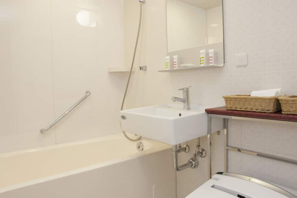 Superior Room, 2 Single Beds, River View - Bathroom
