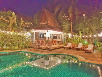 Mae Rim bölgesindeki Ruen Ariya Resort resmi