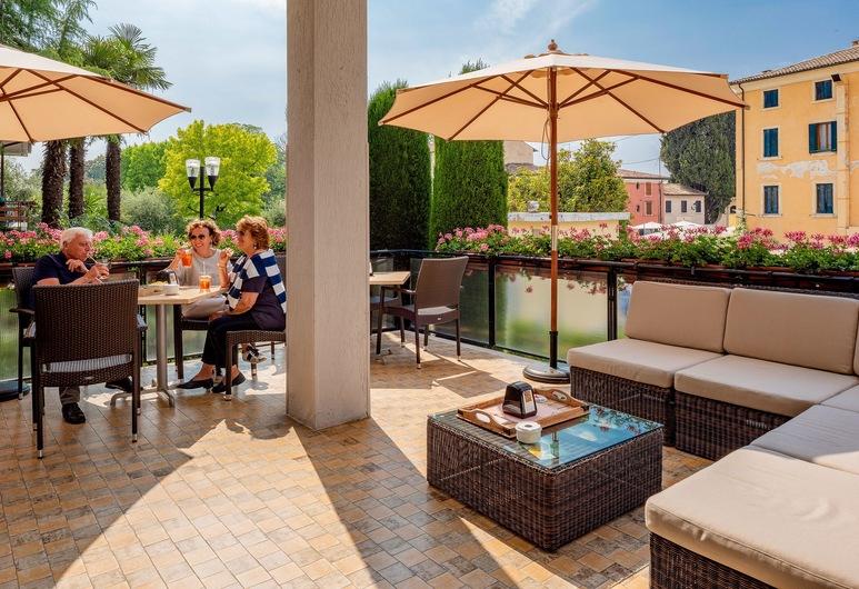 Hotel Taormina, Bardolino, Terrasse/Patio