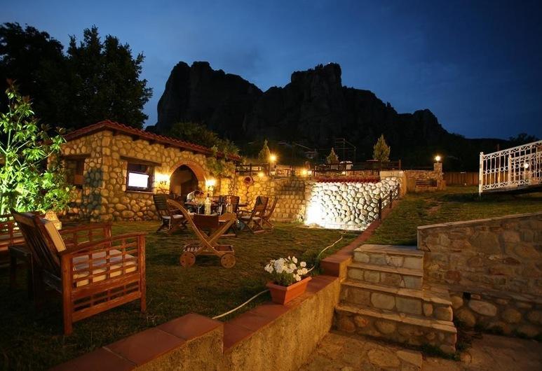 Epavlis Meteora Suites Hotel, Καλαμπάκα, Αίθριο/βεράντα