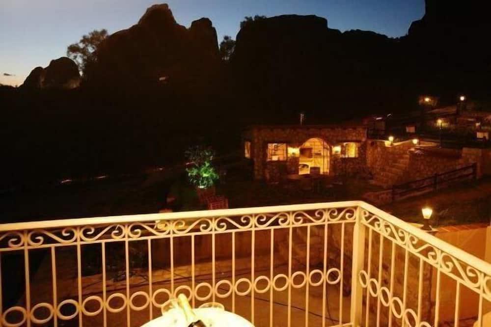 Deluxe Suite (Meteora View) - Balcony