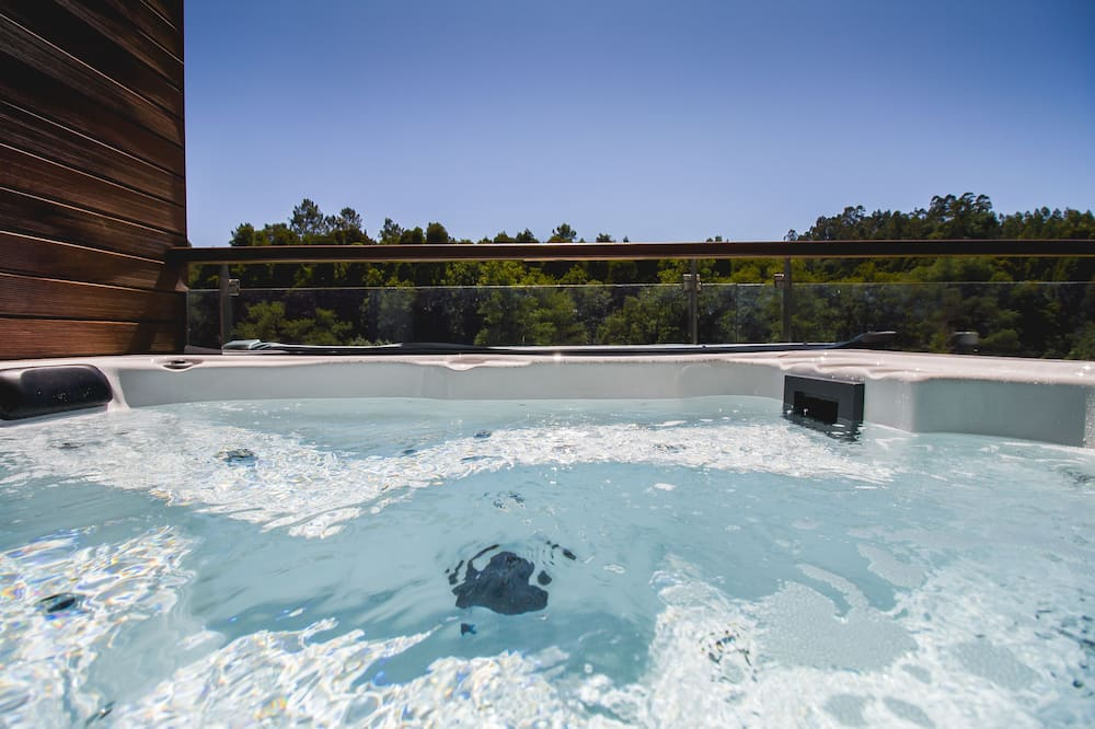 Deluxe Double Room (Jacuzzi) - Outdoor Spa Tub