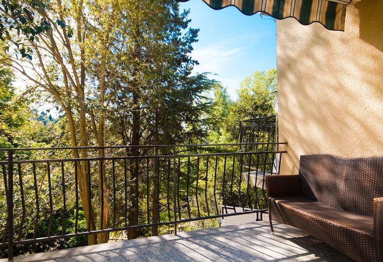 Forgotten Garden Apartments and Rooms, Piran, Apartamento estándar, 2 habitaciones, balcón, vistas al jardín, Balcón