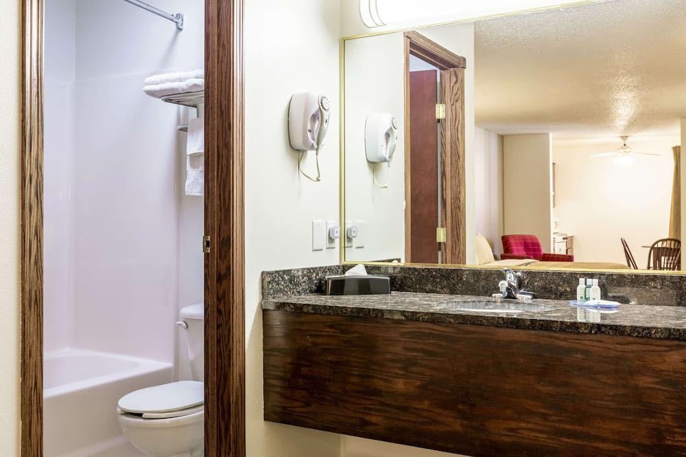 Habitación estándar, 2 camas Queen size, para no fumadores - Baño