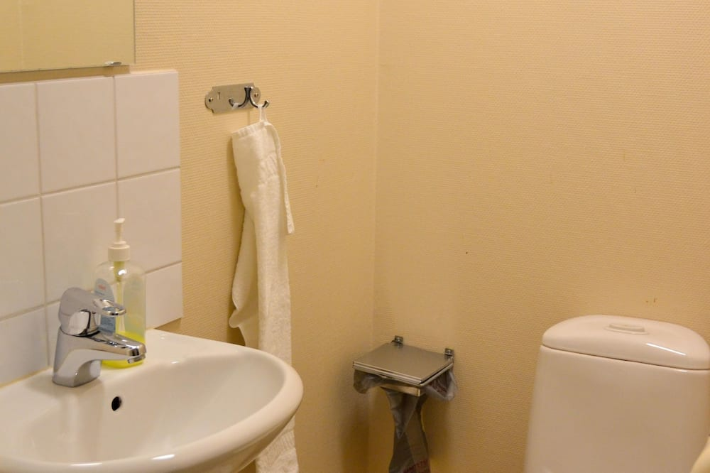Double Room with Shared Bathroom excluding linen - Bathroom