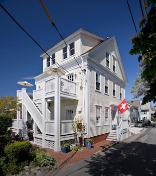 Picture of Benchmark Inn in Provincetown