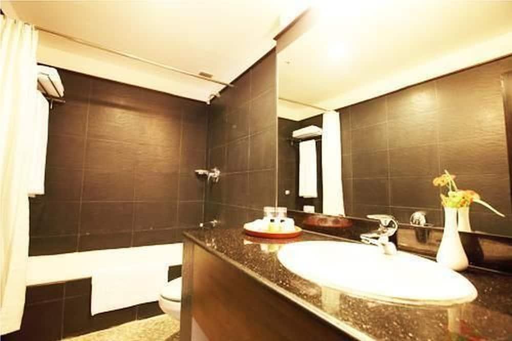 デラックス ルーム ダブルベッド 1 台 - バスルーム