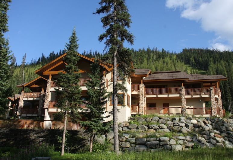 The Pinnacle Lodge, Sun Peaks