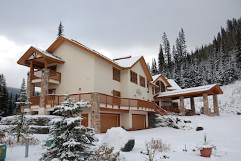 Fotografia hotela (The Pinnacle Lodge) v meste Sun Peaks