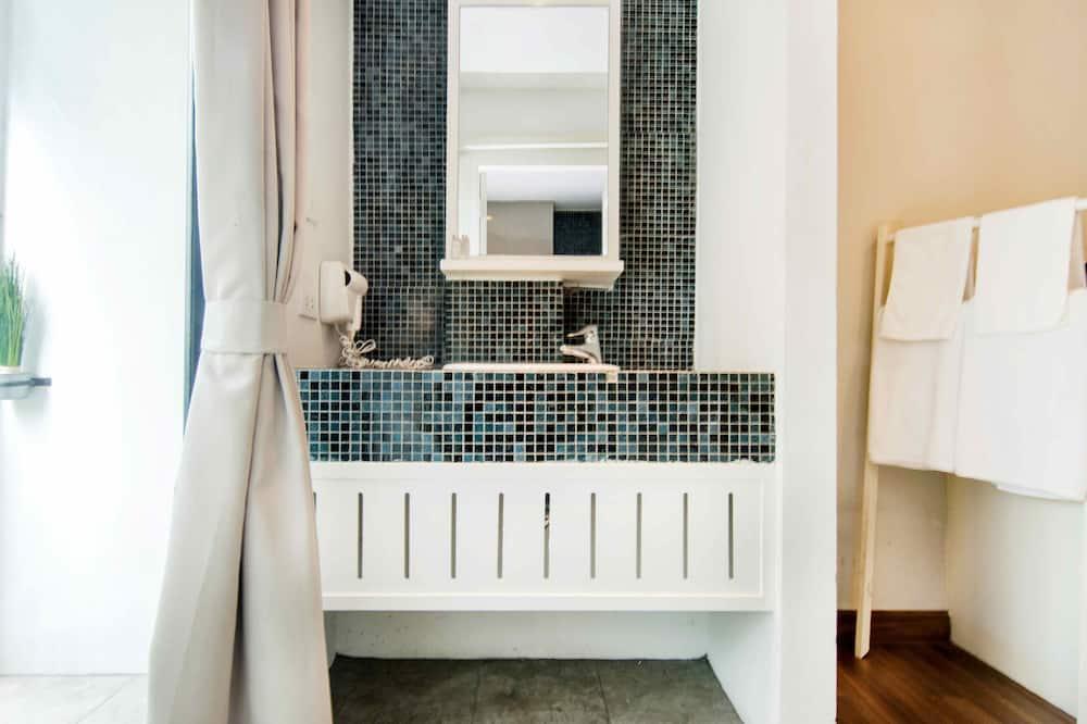 Superior-Zimmer - Waschbecken im Bad