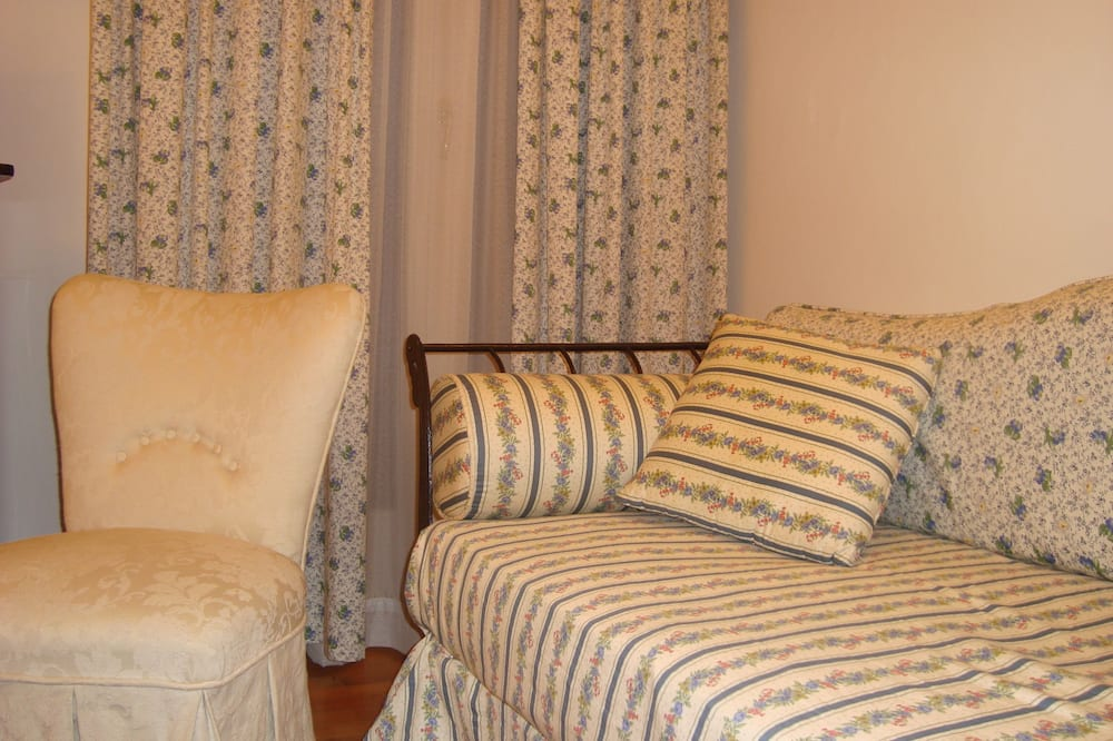 Small Double Room with Terrace - Living Area