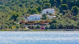 Choose this Apartment in Skiathos - Online Room Reservations