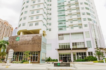 Foto do The Exchange Regency Residence Hotel em Pasig