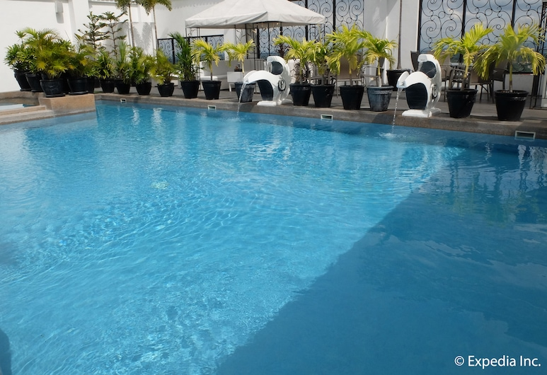 The Penthouse Hotel, Angeles City, Outdoor Pool