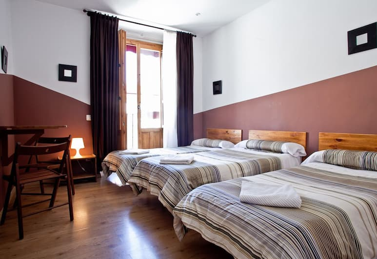 Hostal Abaaly, Madrid, Triple Room, Shared Bathroom, Guest Room