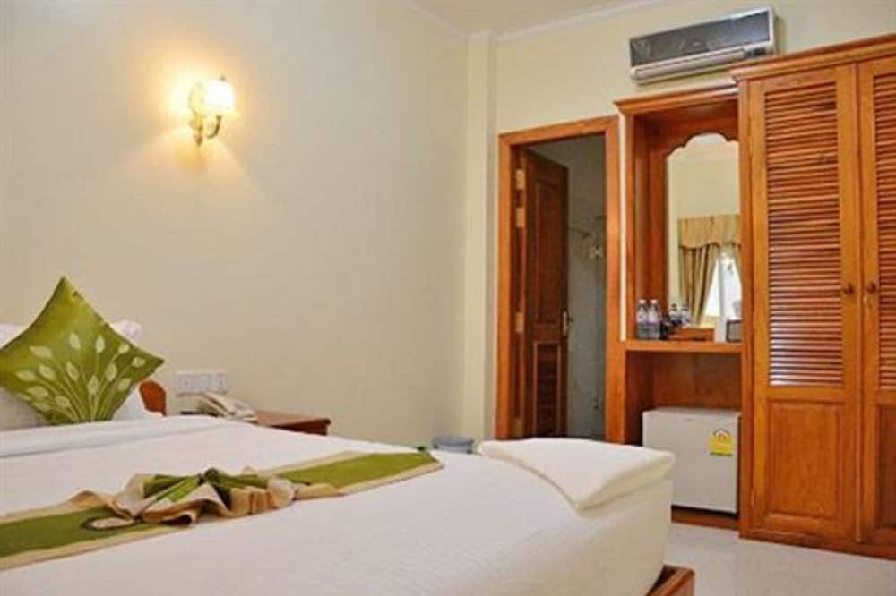Superior Room, 1 Queen Bed - Guest Room