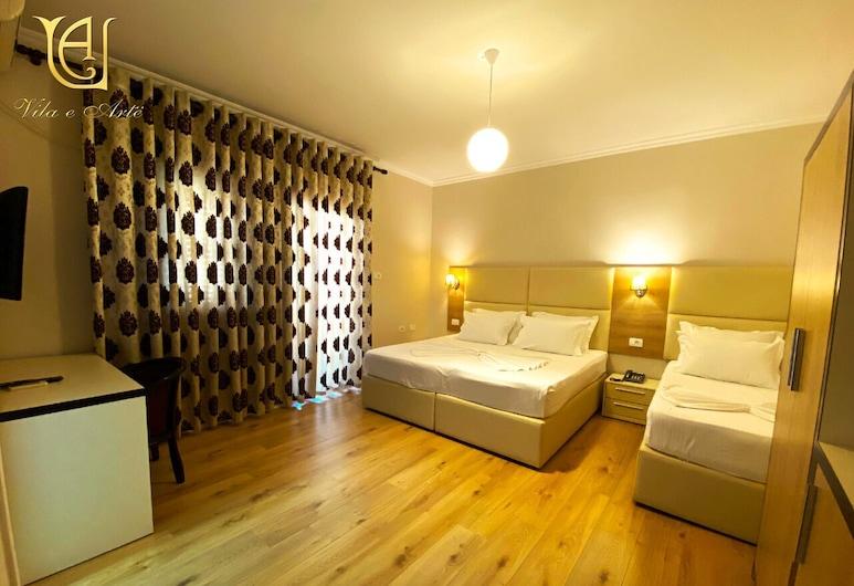فندق فيلا إي ارت, تيرانا, غرفة عادية ثلاثية, غرفة نزلاء