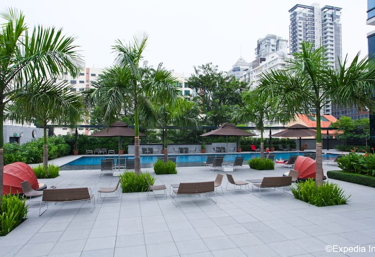 Ramada by Wyndham Singapore at Zhongshan Park, Singapore, Outdoor Pool