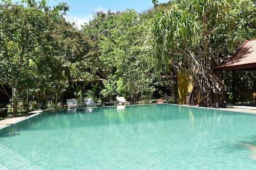 棕櫚村莊溫泉度假飯店/