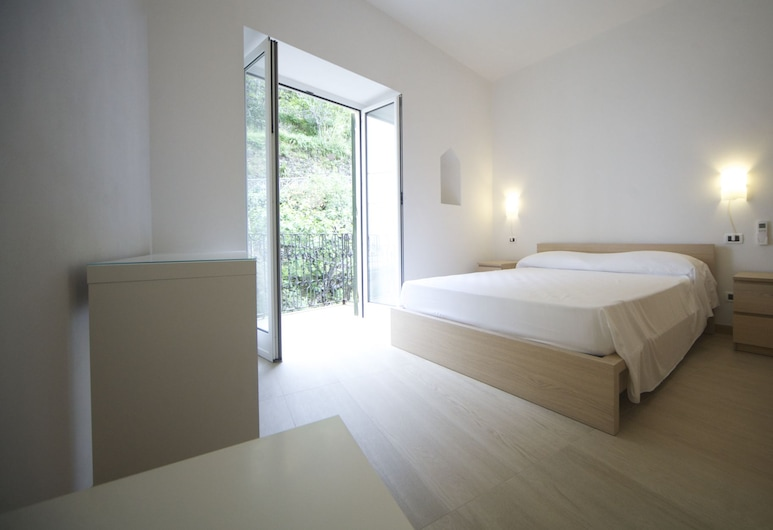 Affittacamere San Giorgio, Riomaggiore, Standaard tweepersoonskamer, privébadkamer, Kamer