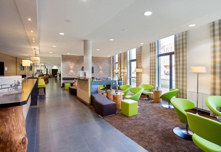 Holiday Inn Express Augsburg, Аугсбург, Вестибюль
