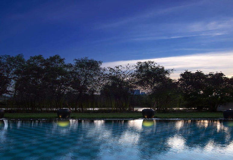 Chloe Gallery, Ho Chi Minh City, Outdoor Pool