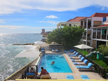 Picture of Scuba Lodge & Ocean Suites in Willemstad