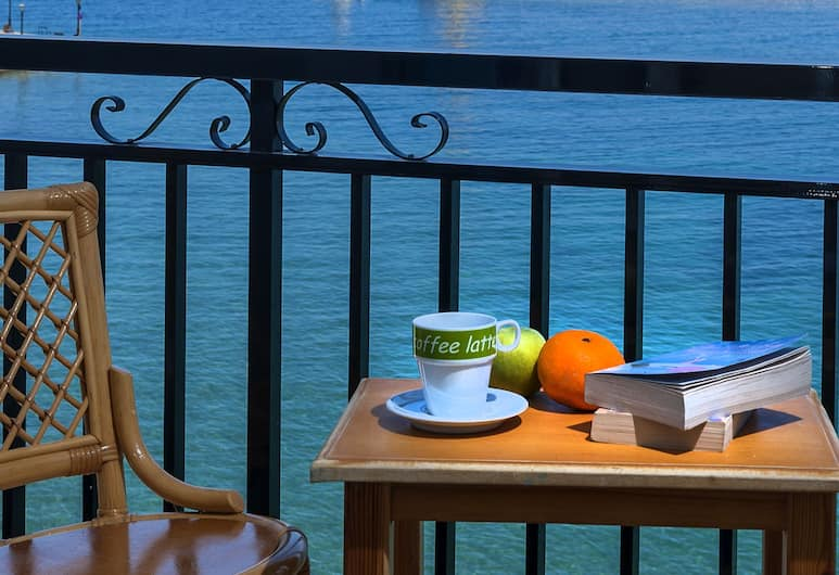 Lucia Hotel, Chania, Triple Room, Partial Sea View, Balcony