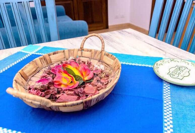Renda Apartments, Trapani, Standard Apartment, 1 Bedroom (3 pax), In-Room Dining