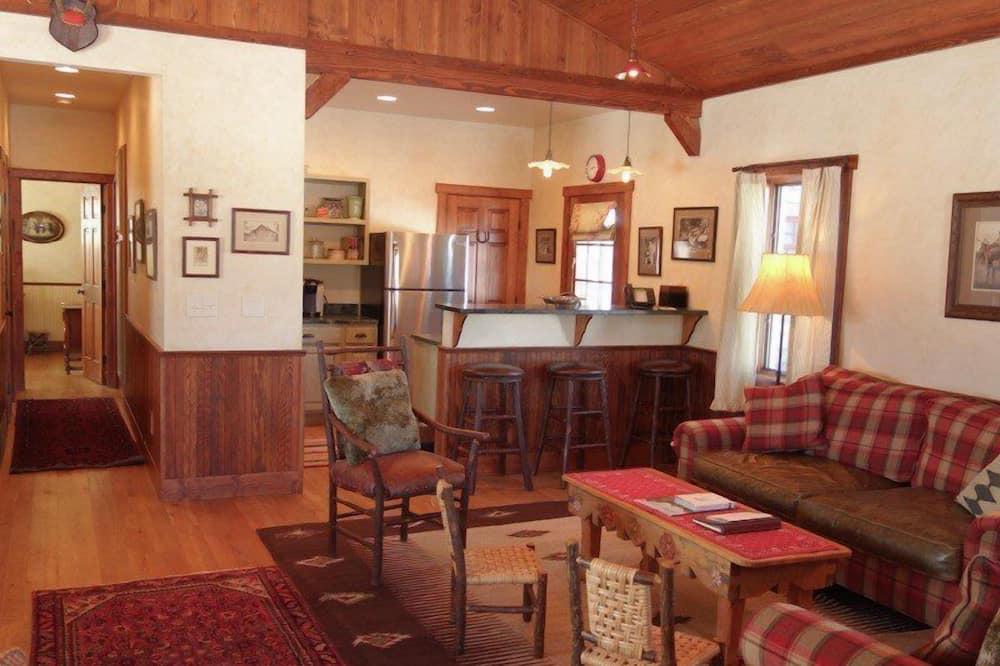Rekreačná chata (Sara Jane's) - Obývačka