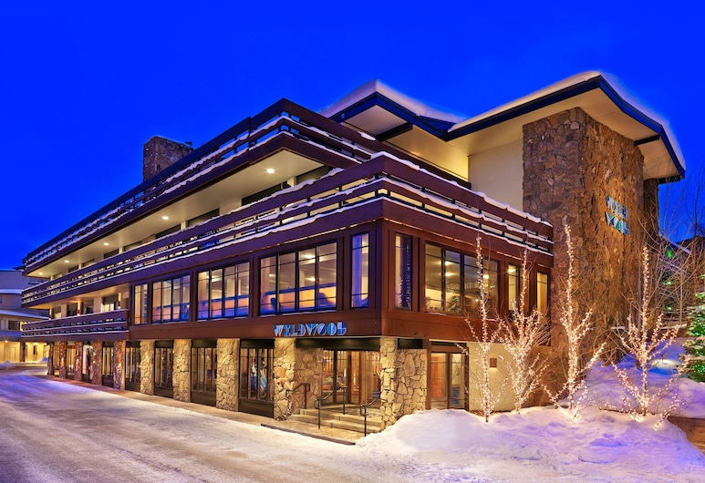 Wildwood Snowmass, Snowmass Village, Hotel Front – Evening/Night